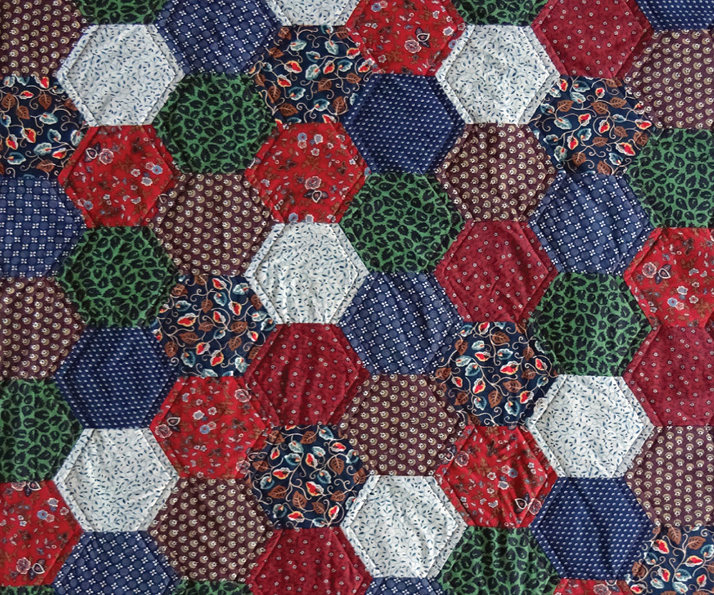 PATCHWORK-INTRO-BANNER - HEXAGON-PICNIC-QUILT-POST-IMAGE